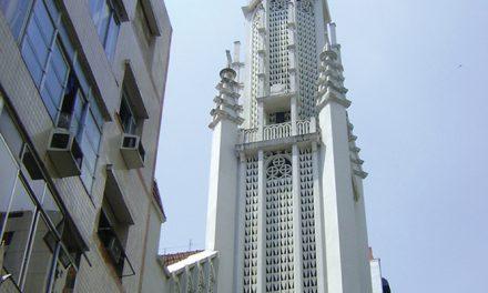Uma igreja para ver e rezar